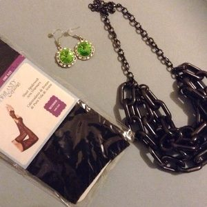 Accessories - Be a Zombabe! Ghoulish Accessory Lot 🔮